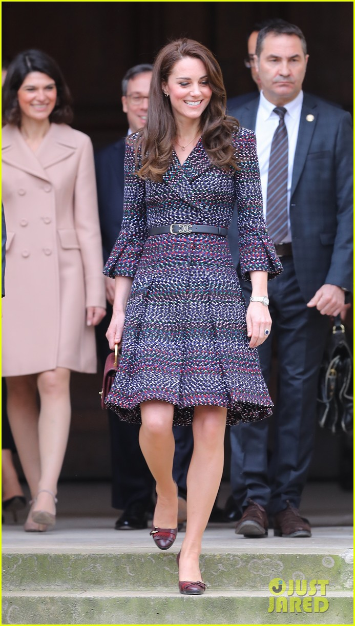 kate middleton prince william join rugby team eiffel tower 073875715