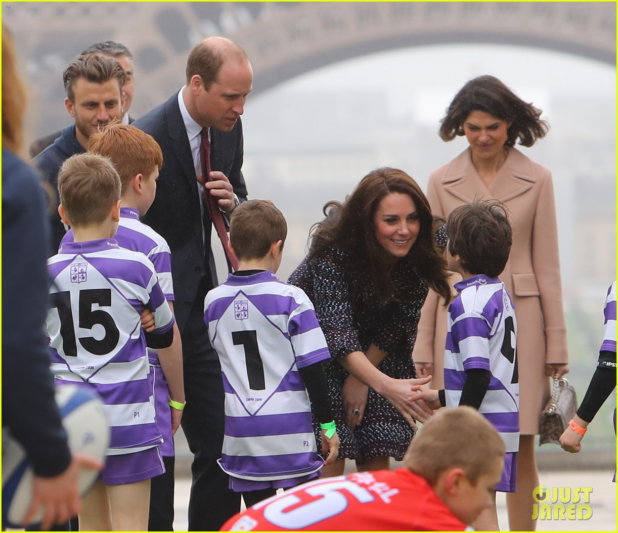 kate middleton prince william join rugby team eiffel tower 113875719