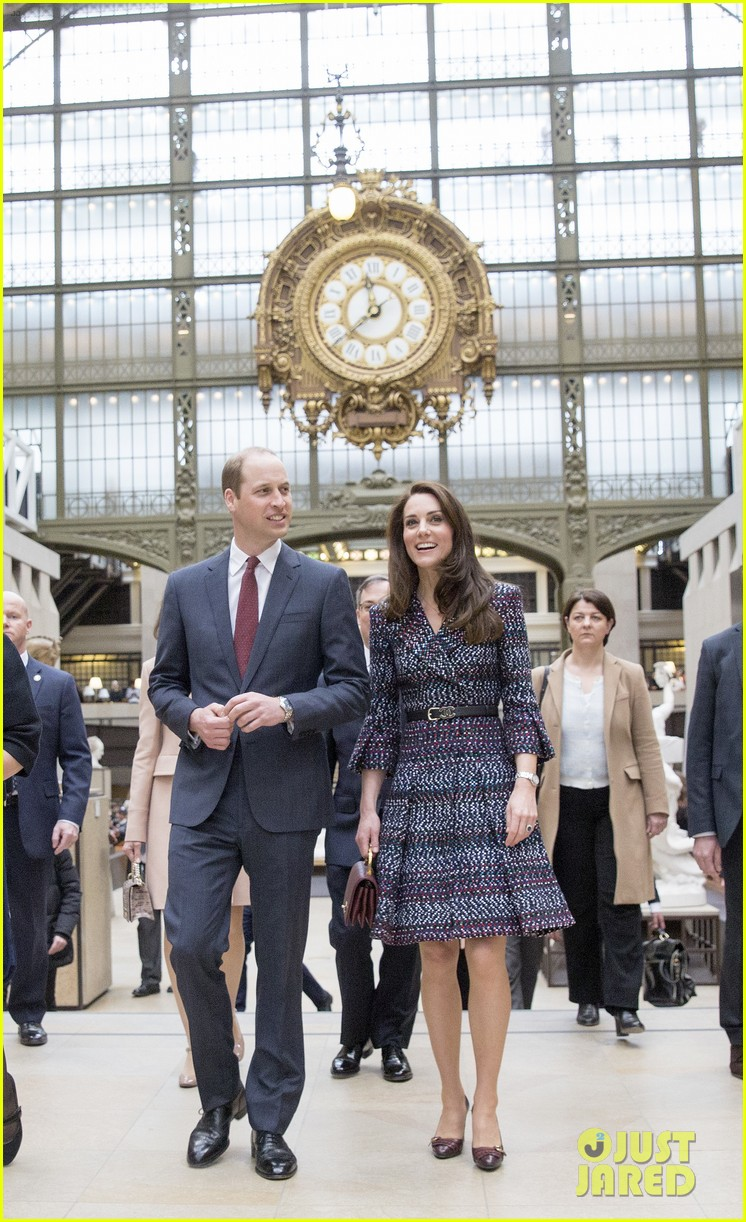 kate middleton prince william join rugby team eiffel tower 163875724