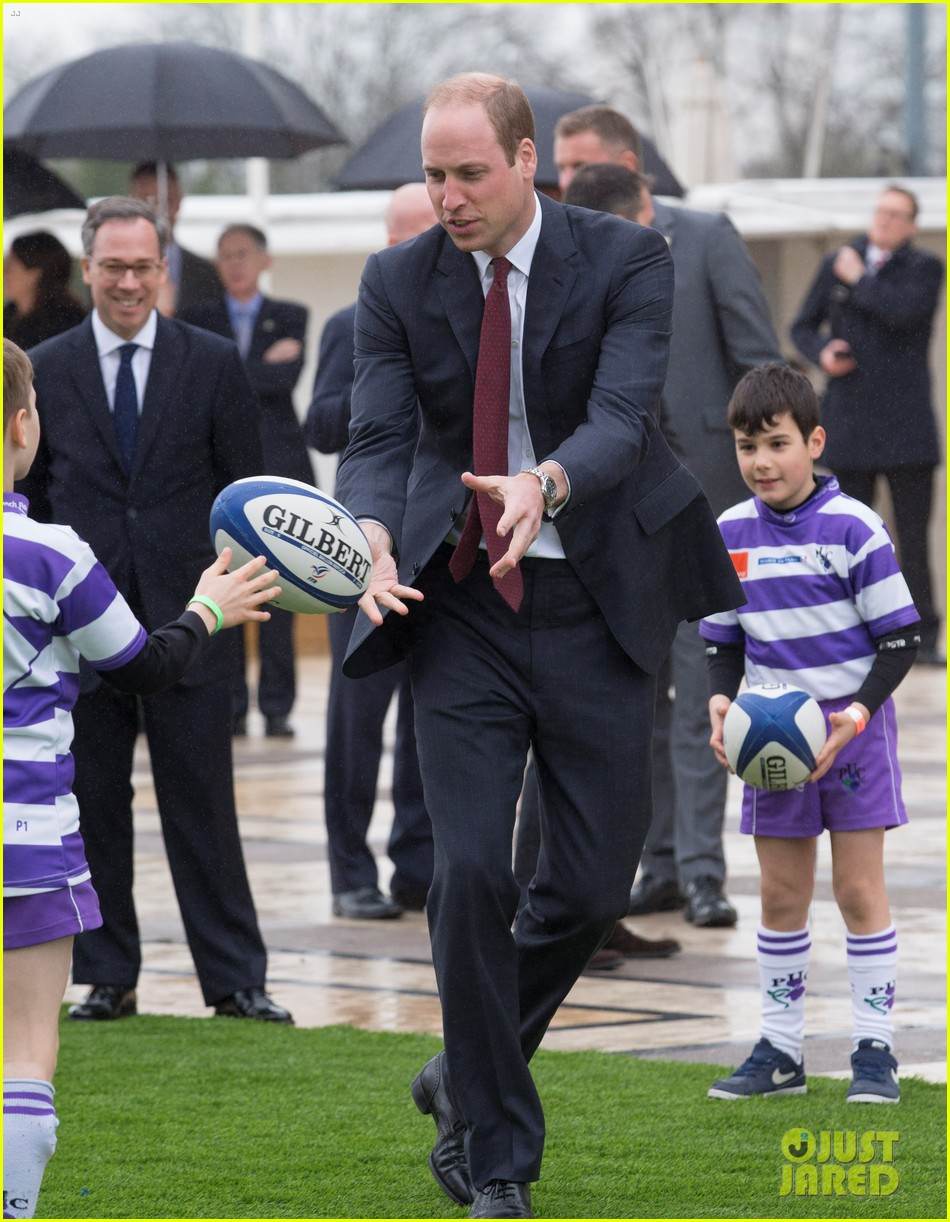 kate middleton prince william join rugby team eiffel tower 263875734