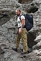 jason momoa spends weekend rock climbing with his kids chris sharma 04
