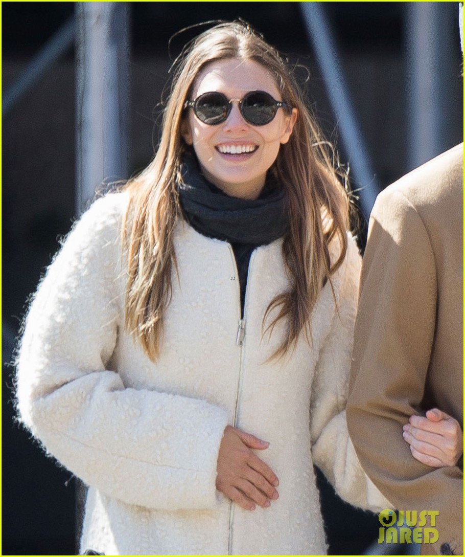 elizabeth olsen holds hands with mystery guy in new york 063876532