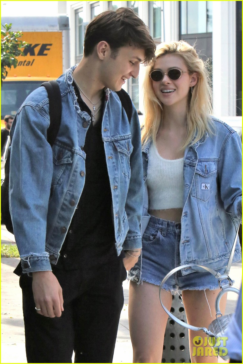 nicola peltz boyfriend anwar hadid go to lunch with her dog 033873969
