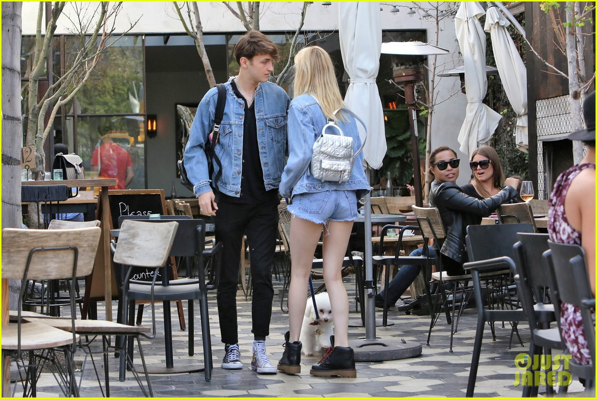 nicola peltz boyfriend anwar hadid go to lunch with her dog 043873970