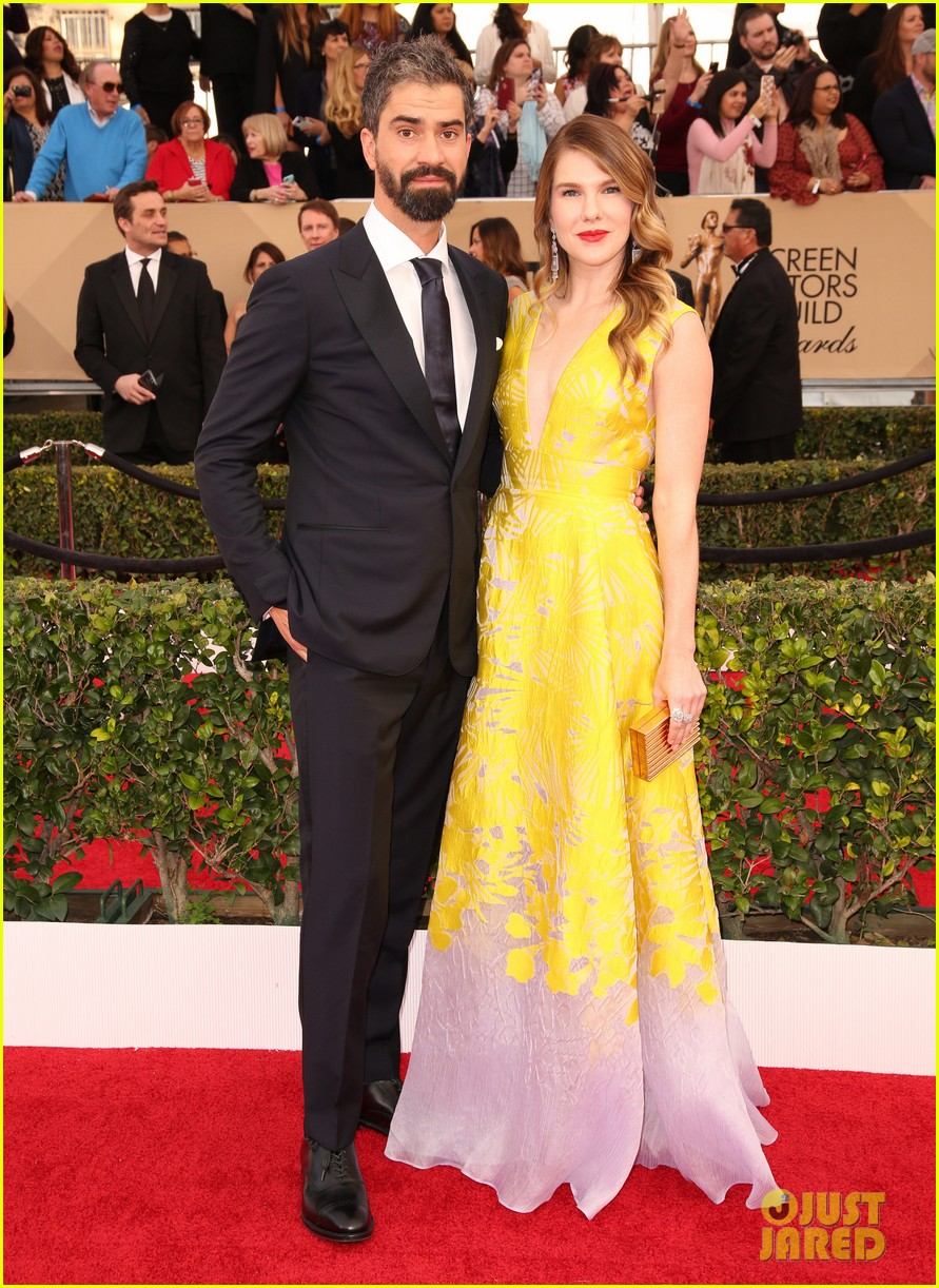 lily rabe welcomes daughter hamish linklater 043874272