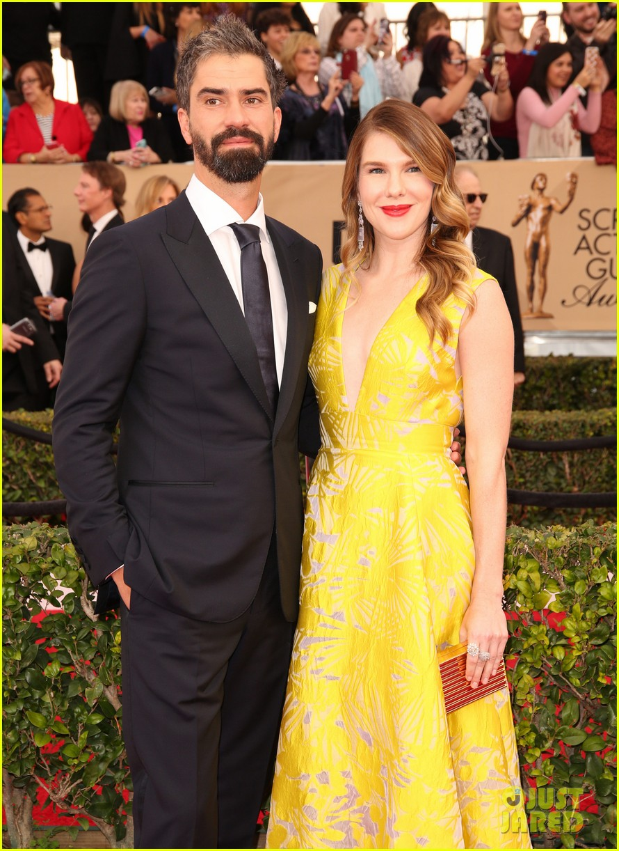 lily rabe welcomes daughter hamish linklater 053874273