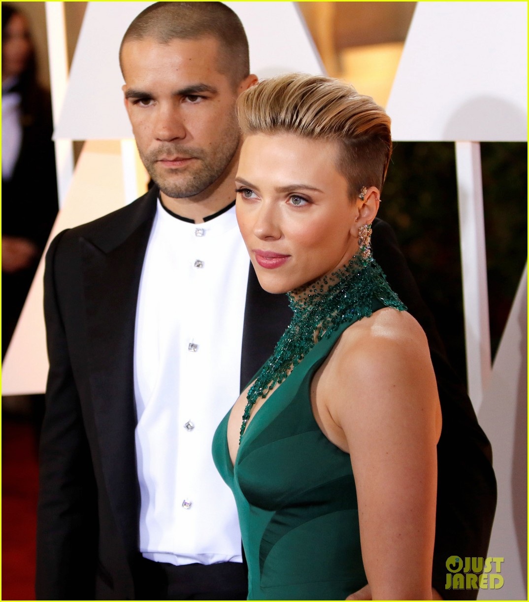 scarlett johansson files for divorce from romain dauriac 013871158