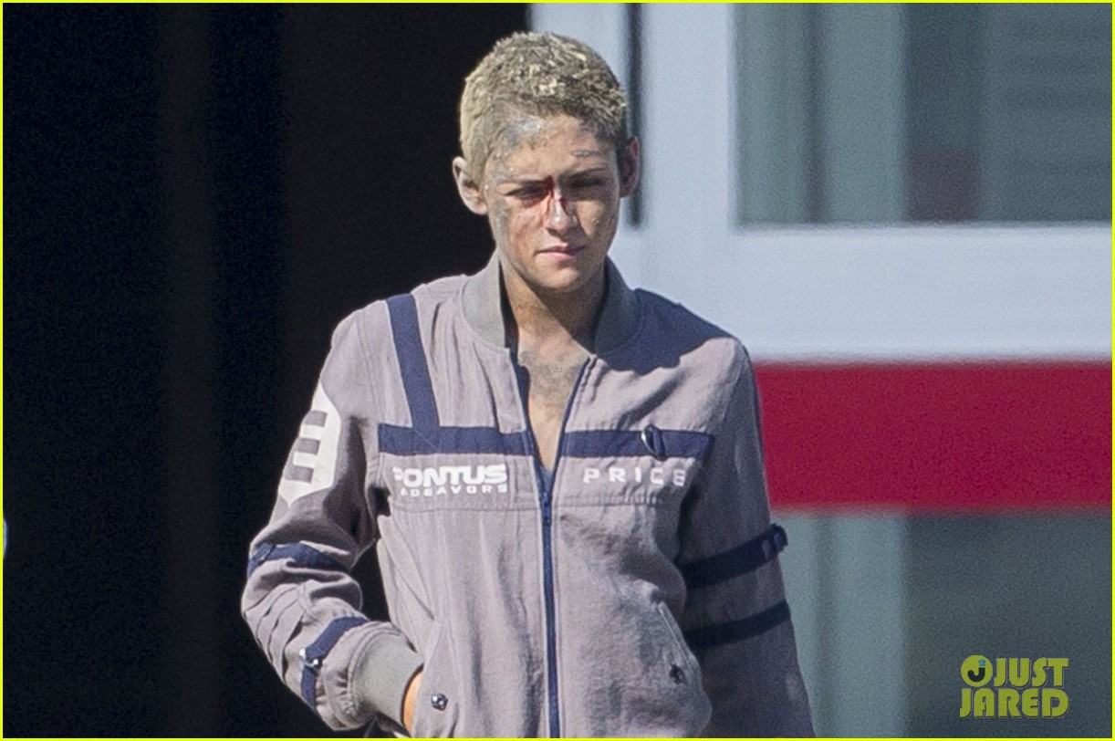 kristen stewart cut up bloody movie set 033876587