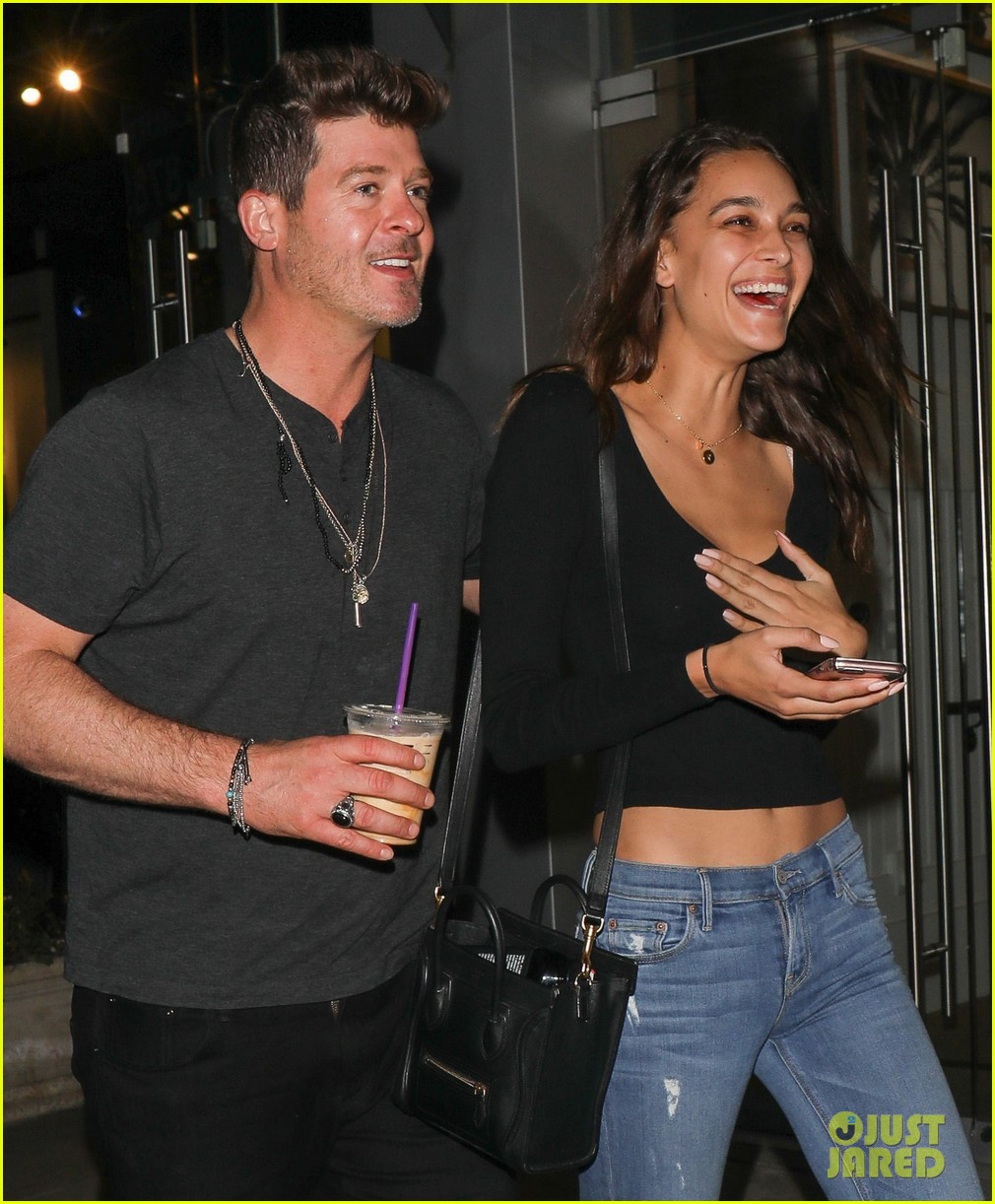 robin thicke april love geary grab a late night coffee 023871730