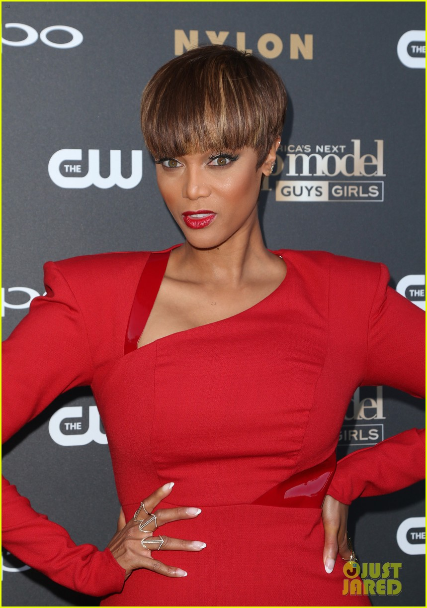 tyra banks agt host 013873088