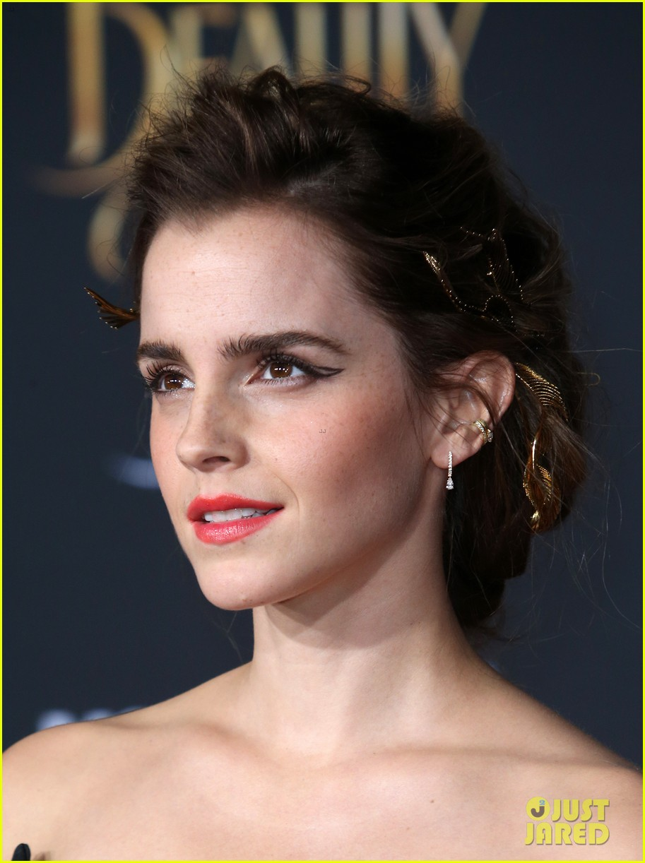 Emma Watson S La Premiere Look Made Beauty Amp The Beast