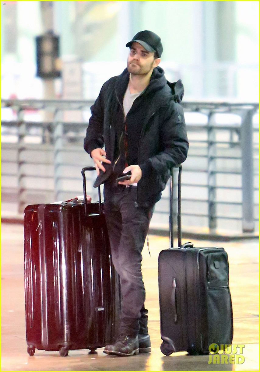 paul wesley jets to toronto to direct shadowhunters episode 043871677
