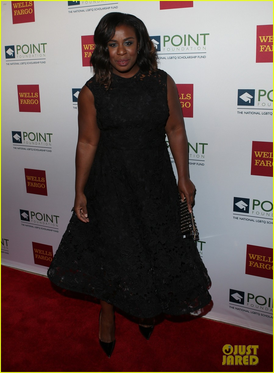 uzo aduba gets honored with courage award at point honors gala 2017 023881930