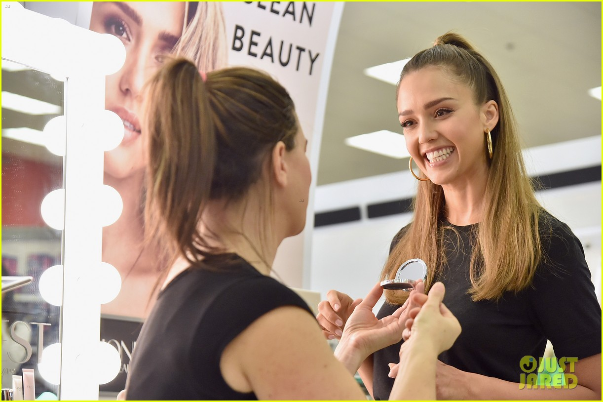 Jessica Alba Hosts Honest Beauty Makeovers At Target Photo