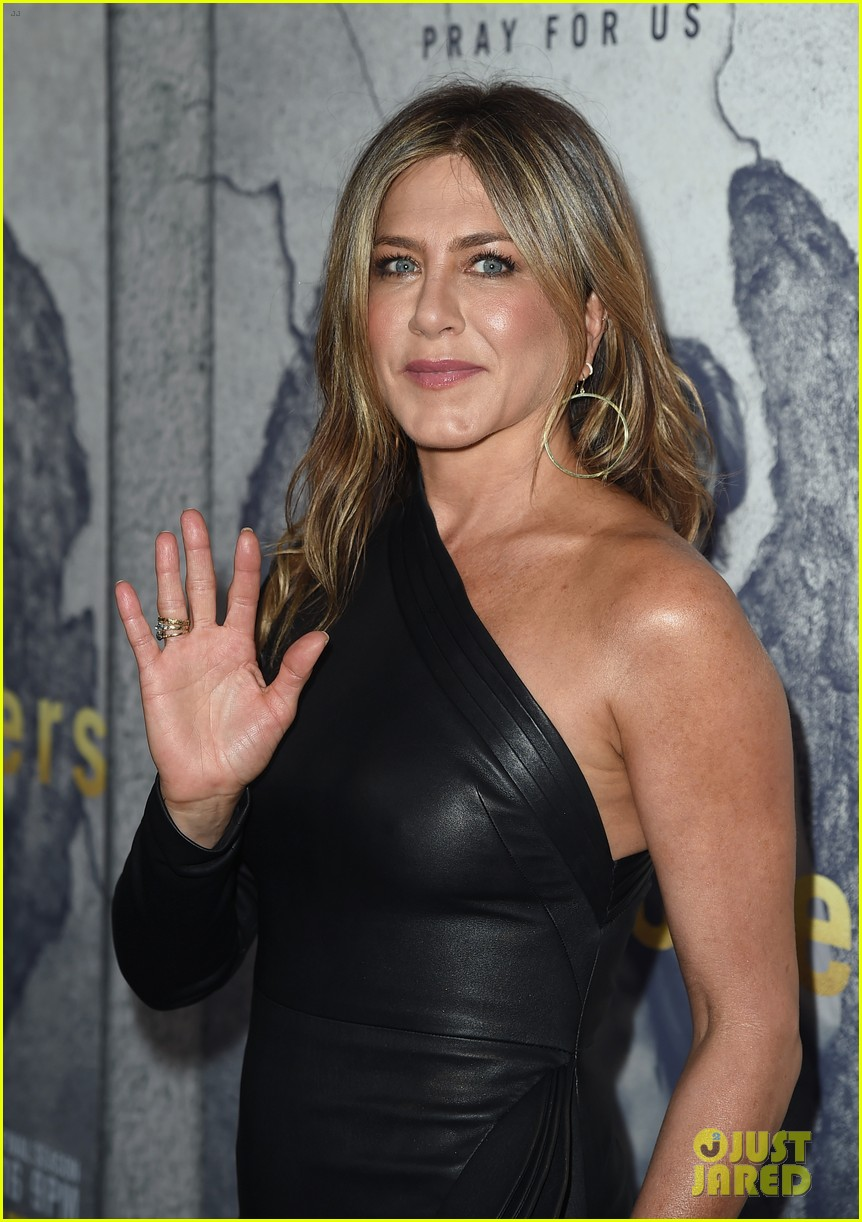 jennifer aniston justin theroux the leftovers premiere 033882181