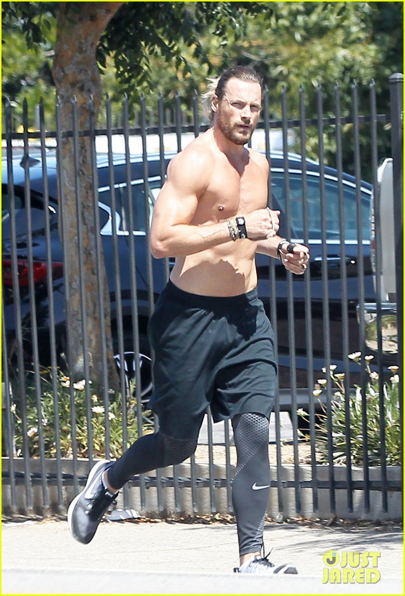 gabriel aubry shows off his hot body on a run 053889947