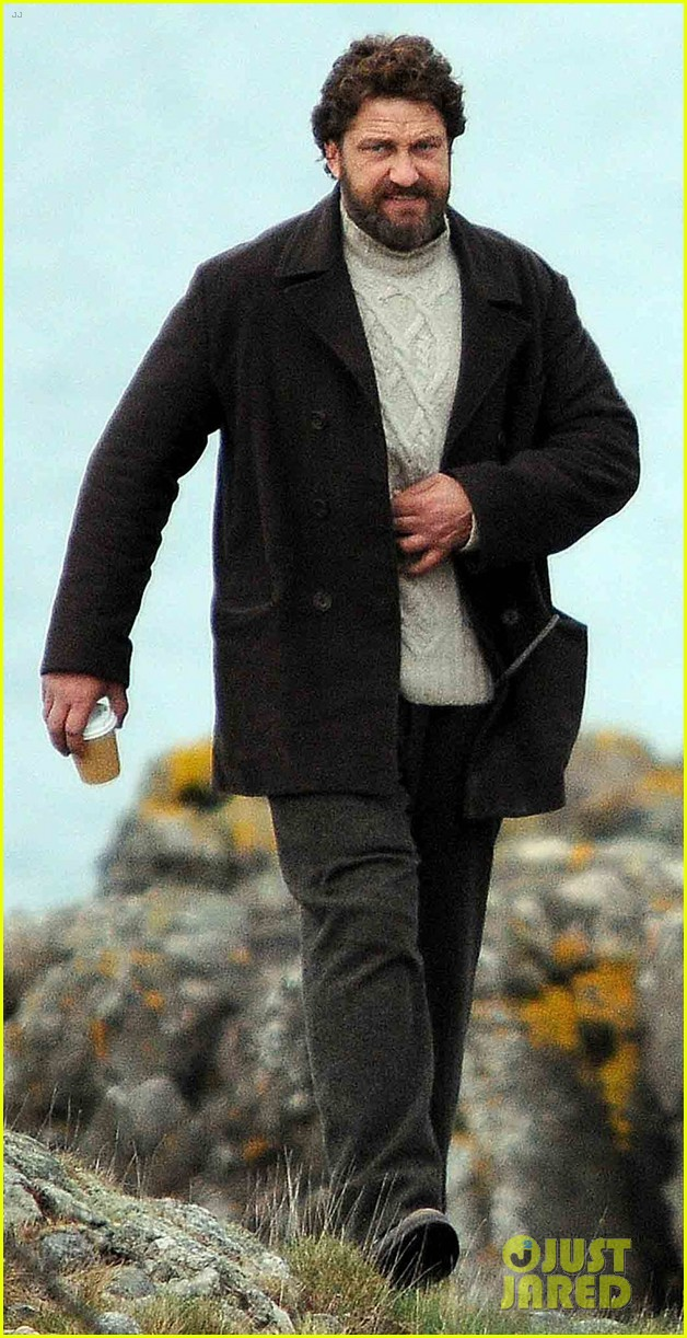 gerard butler continues filming keepers in scotland 04 Gerard Butler