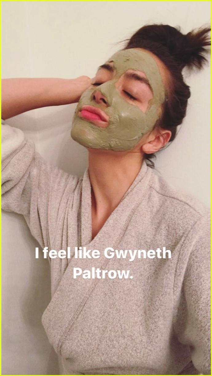 chloe bennet turns boyfriend austin nichols into a sassy hulk 013889149
