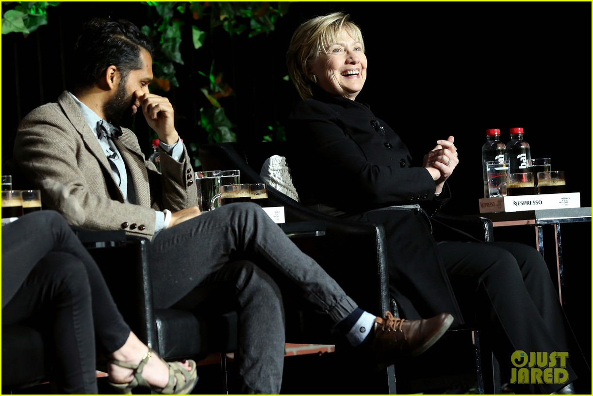 hillary clinton makes surprise appearance at tribeca 023889569