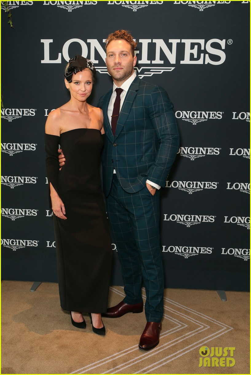 jai courtney and girlfriend mecki dent look picture perfect at championships race day 023884056