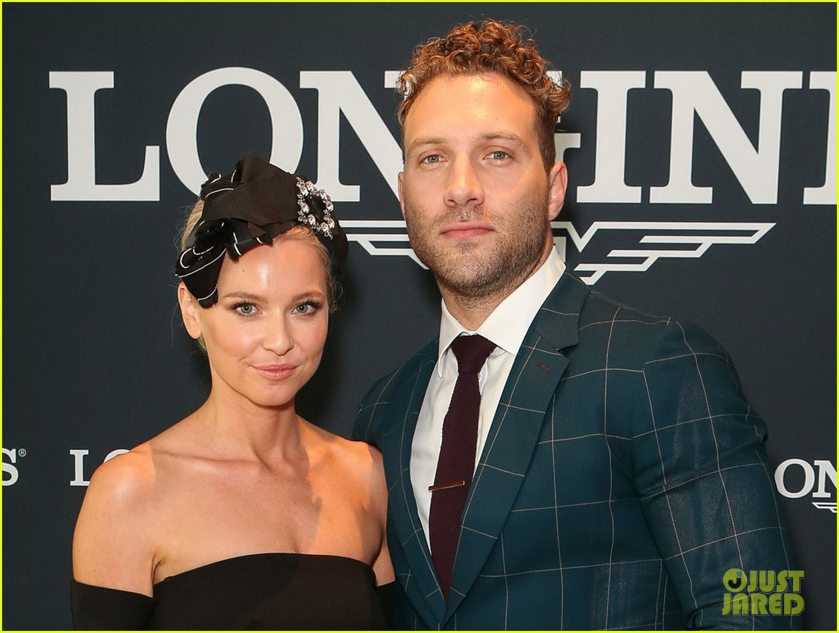 jai courtney and girlfriend mecki dent look picture perfect at championships race day 033884057