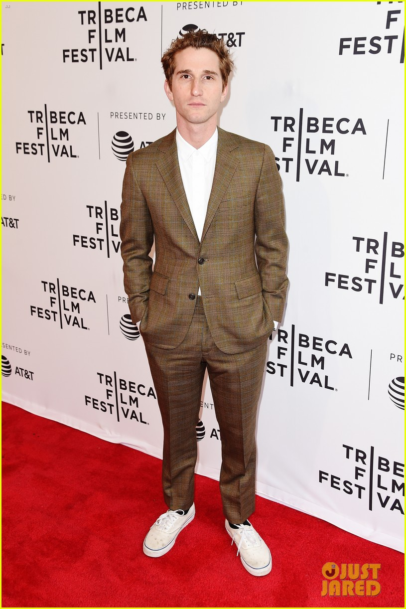 zoey deutch premieres new movie flower at tribeca film festival 013888719