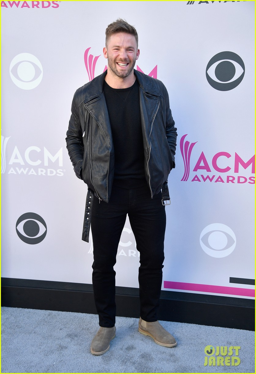 derek carr julian edelman acm awards 2017 053881321