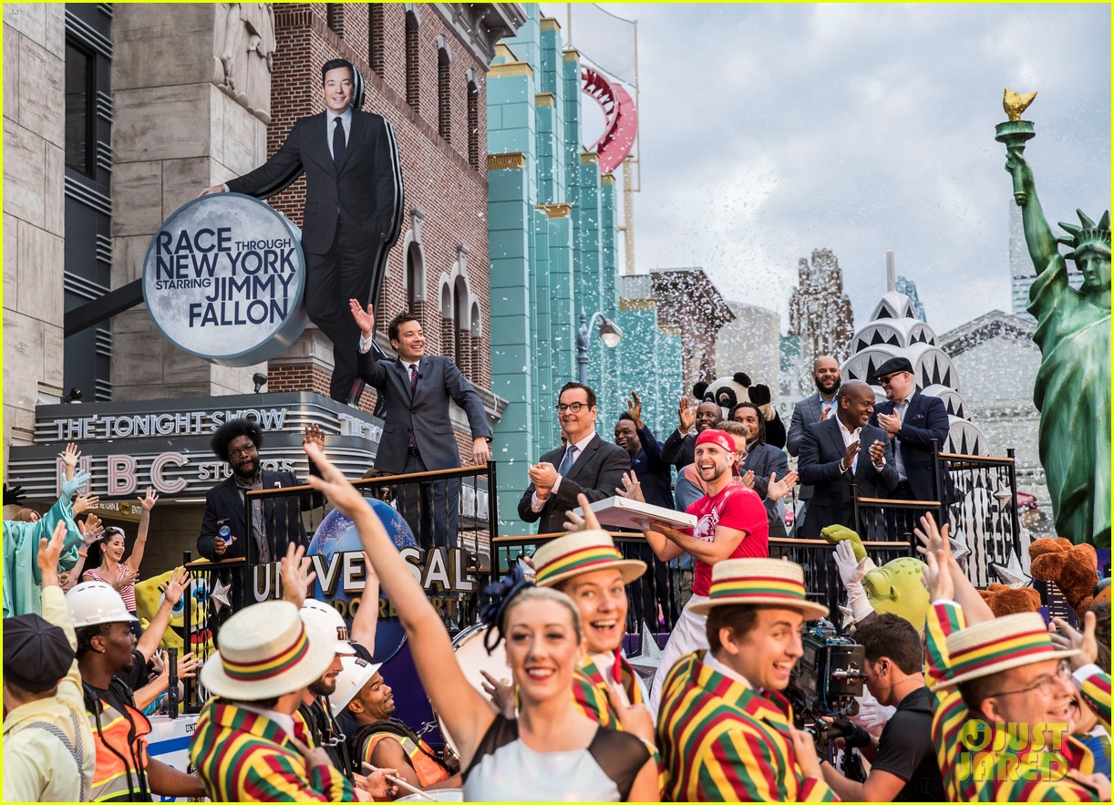 jimmy fallon brings his wife kids to ride opneing at universal orlando 013883284