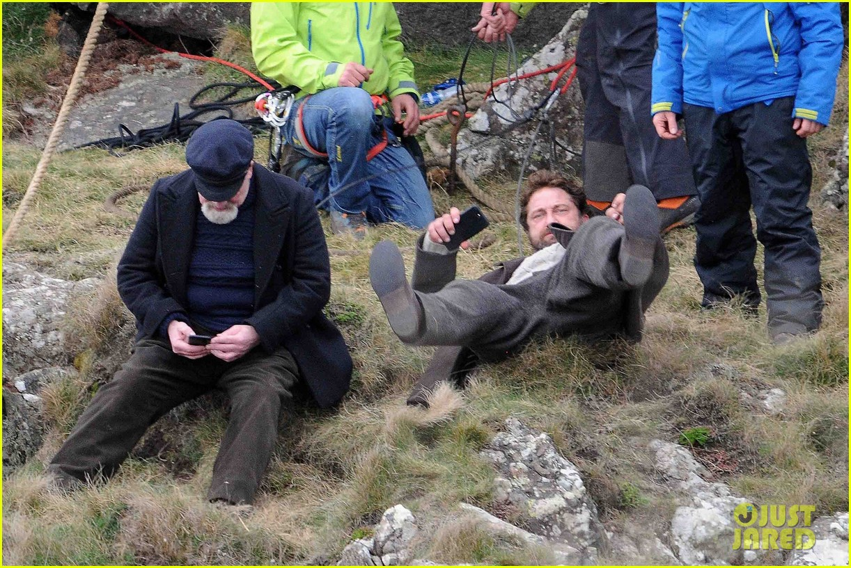 gerard butler mountain keepers scotland 023885429