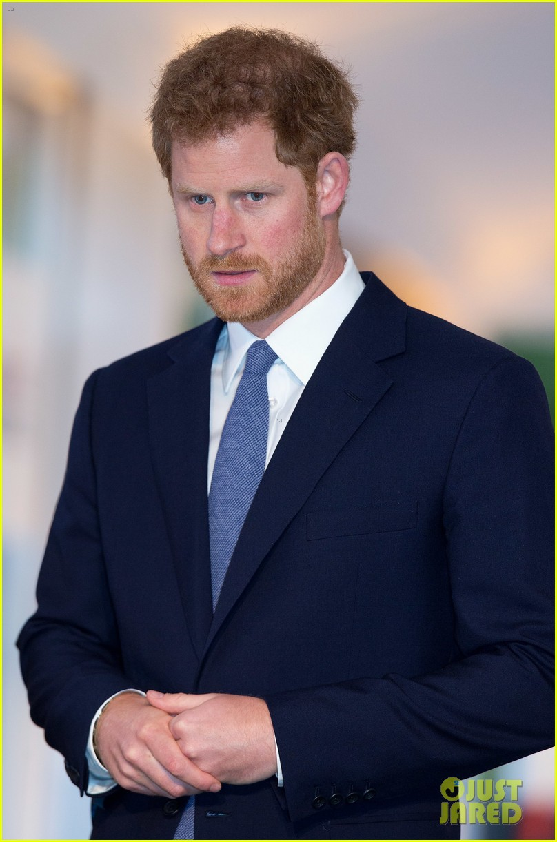 prince harry honors his mom work to eliminate landmines 073882068