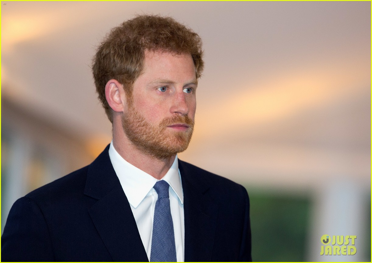 prince harry honors his mom work to eliminate landmines 083882069