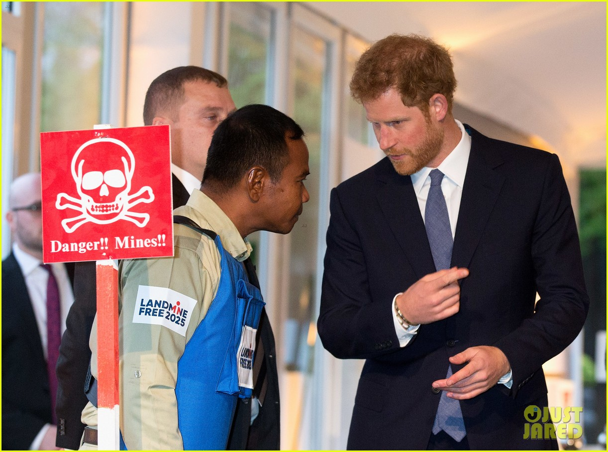 prince harry honors his mom work to eliminate landmines 153882076