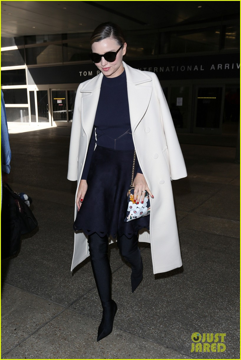 miranda kerr returns home from her trip to south korea 013882539