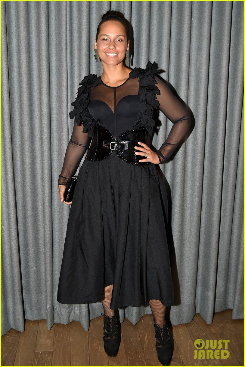 alicia keys swizz beatz have magical night together at brooklyn artists ball 043881831