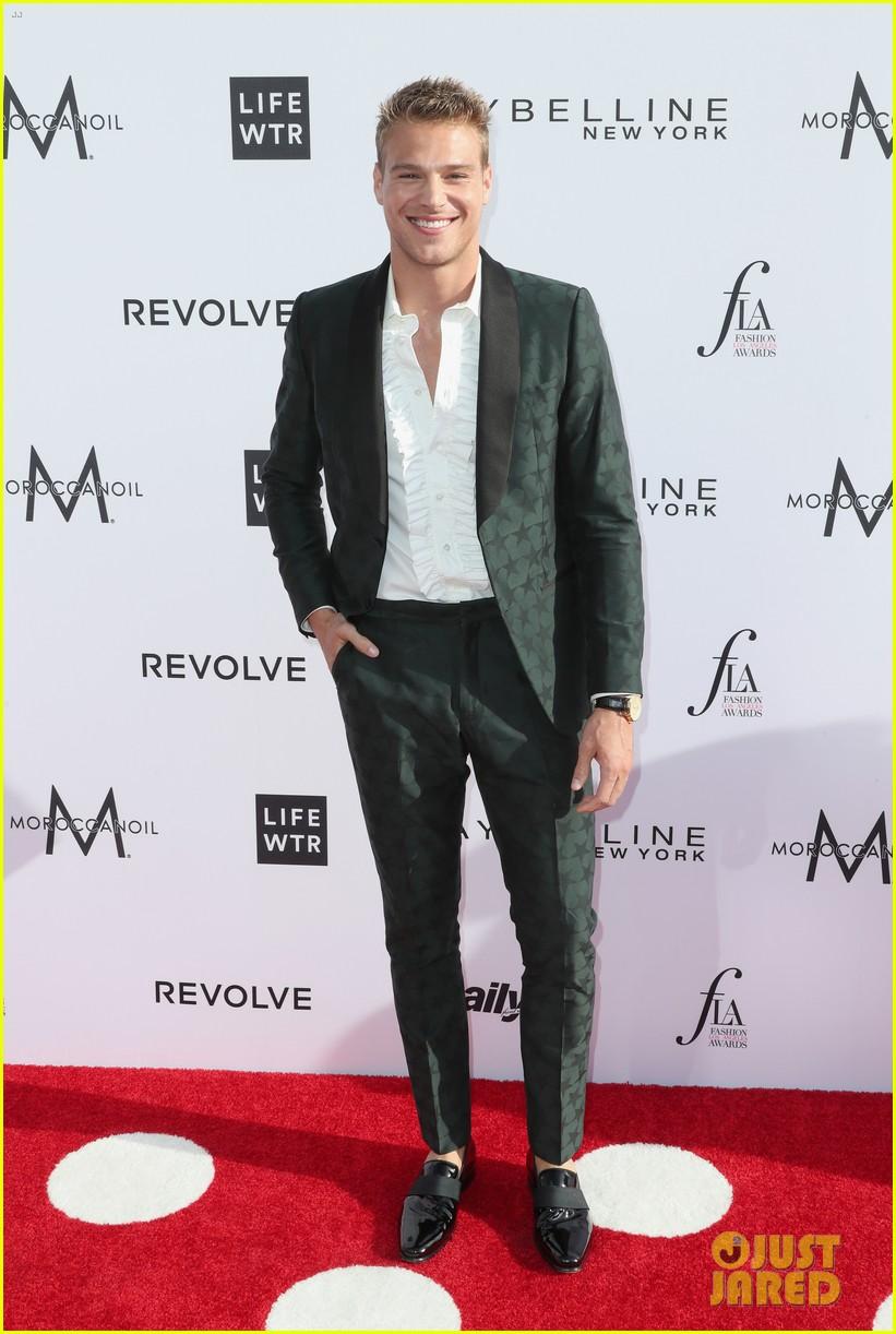ashton kutcher lily aldridge fashion awards 2017 053881392