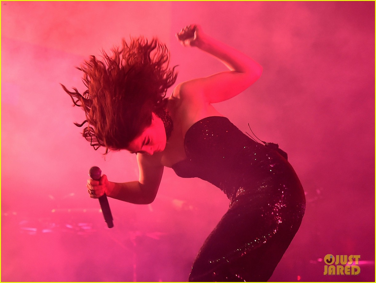 lorde performs on coachella weeknd two 143889961