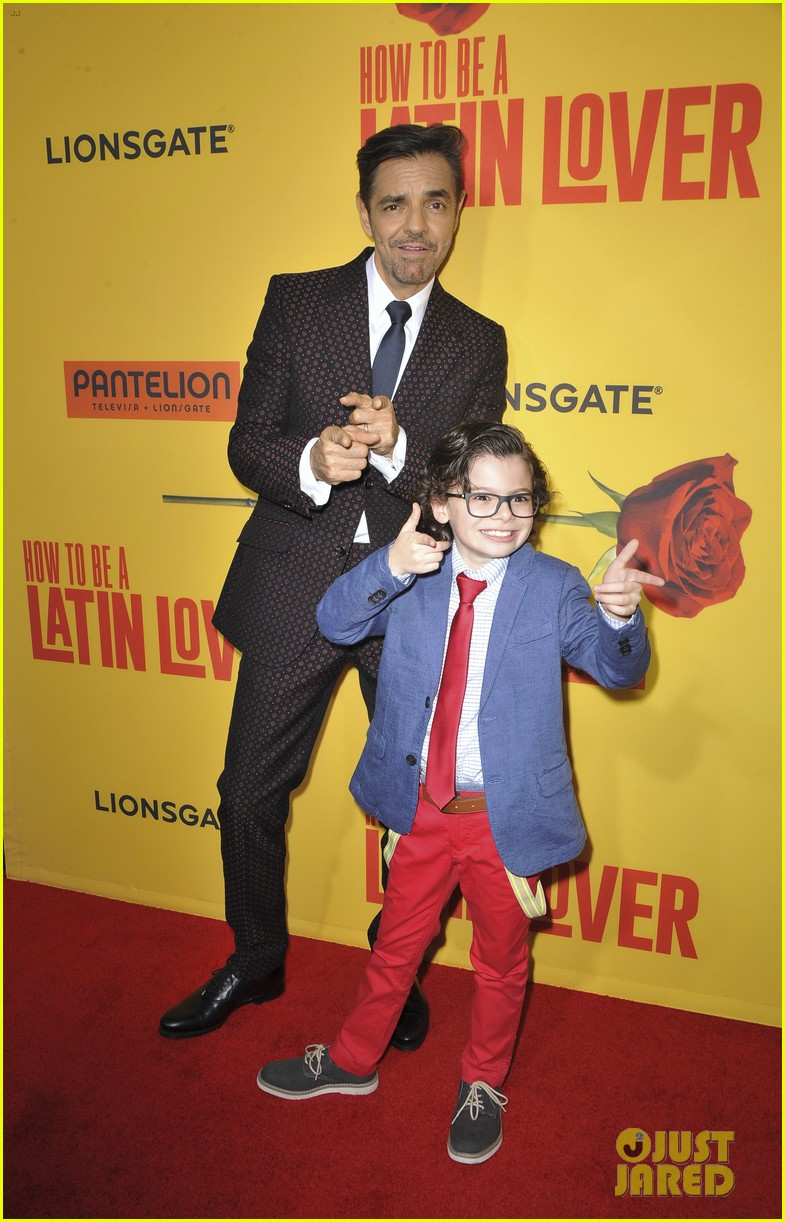 rob lowe joins how to be a latin lover cast at hollywood premiere 013891237