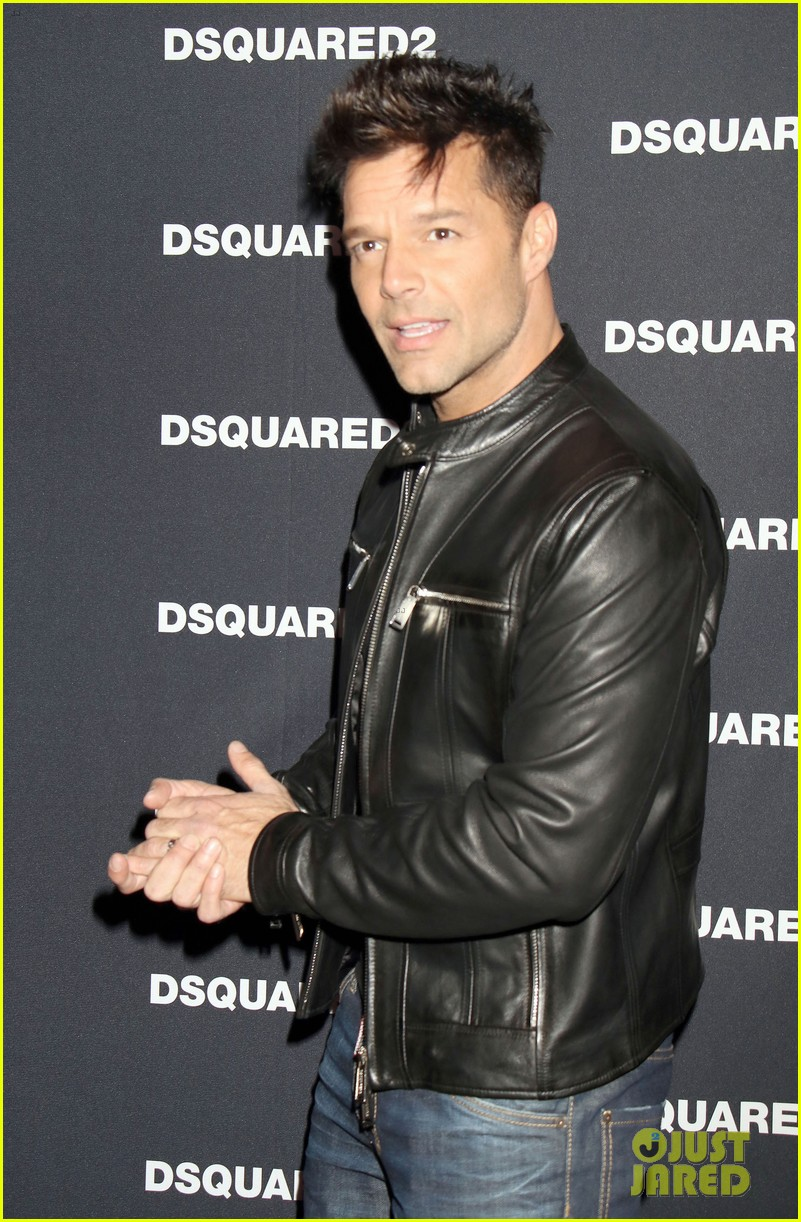 ricky martin christina aguilera virtually reunite for nobody wants to be lonely vegas 053883641