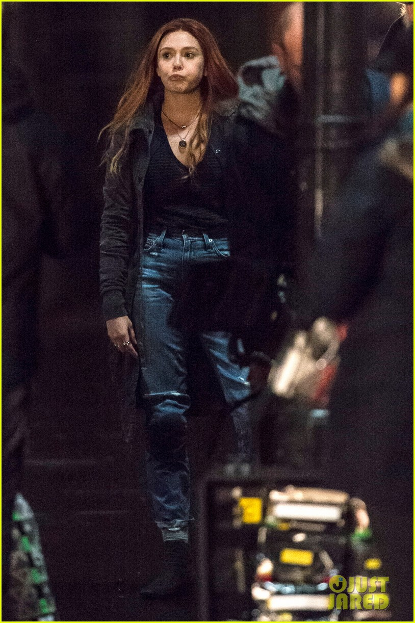 elizabeth olsen films avengers infinity war with stunt double 253881463
