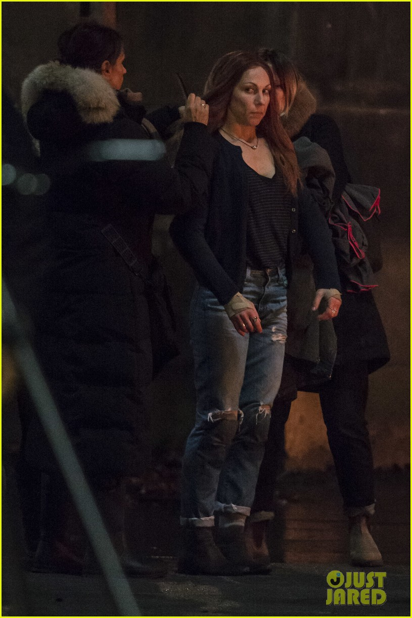 elizabeth olsen films avengers infinity war with stunt double 393881477