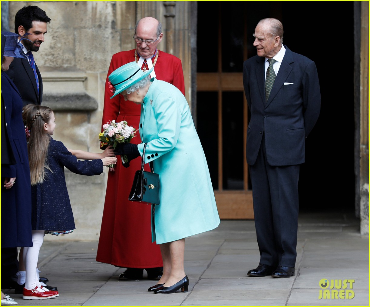 Prince William & Kate Middleton Attend Family Easter Service: Photo ...