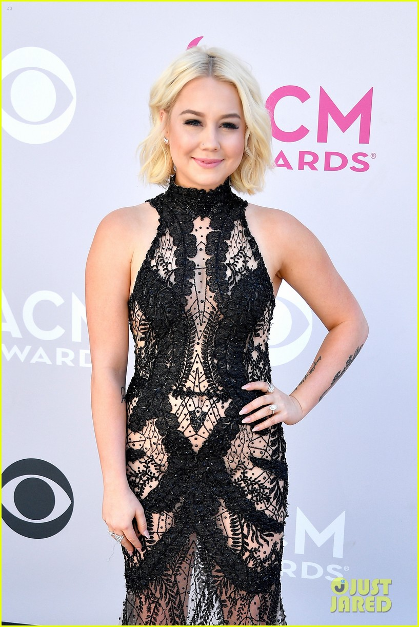 raelynn lauren alaina acm awards 033881151