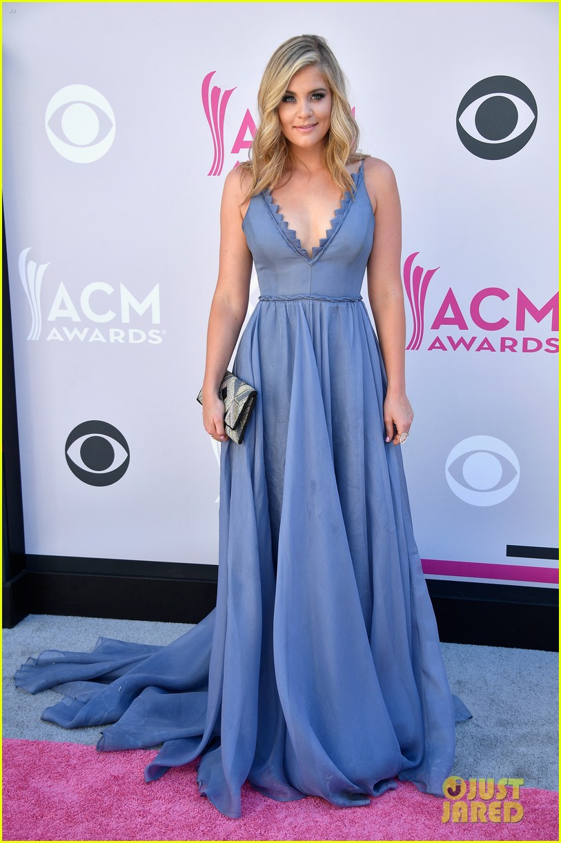 raelynn lauren alaina acm awards 083881156