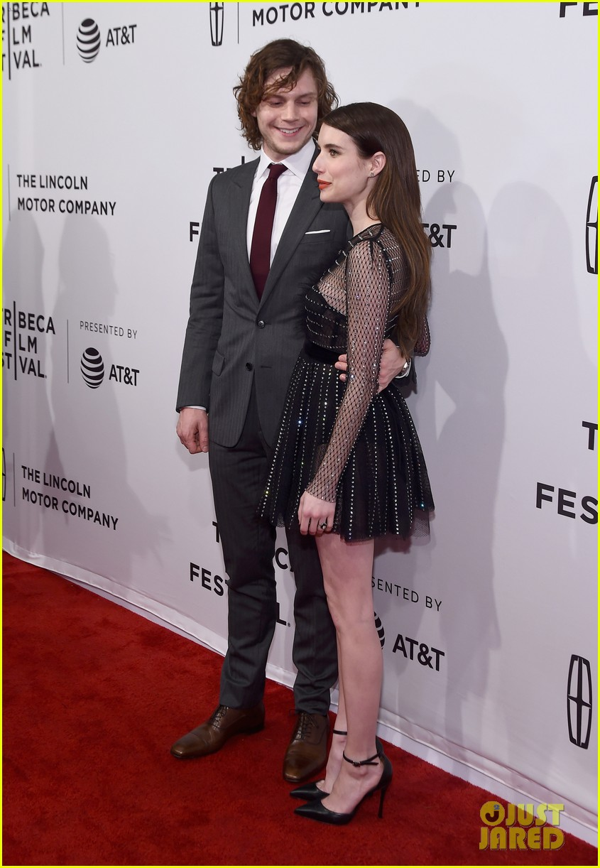 emma roberts supports evan peters at tibeca 013891372