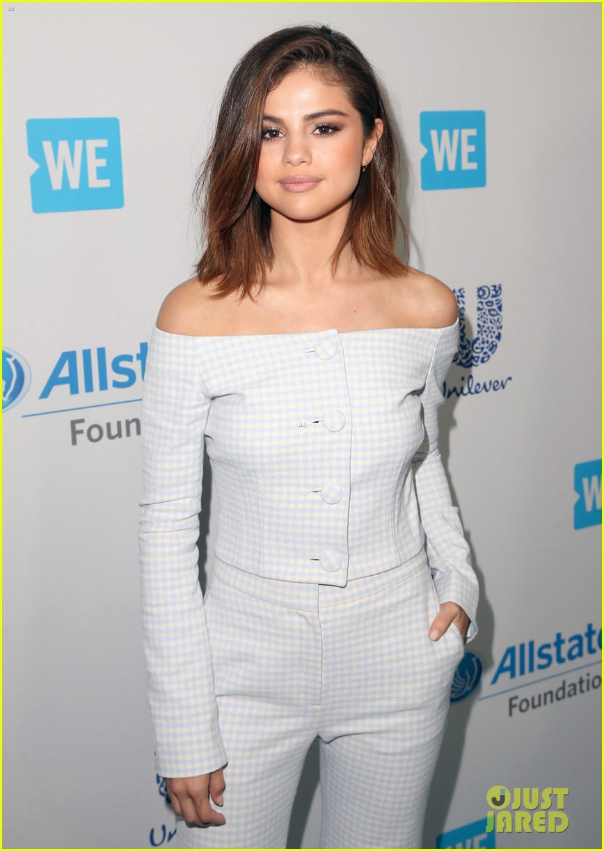 Selena Gomez S Bob Haircut The Truth Behind The Short Hair Instagram Photo 3891471 Selena Gomez Pictures Just Jared