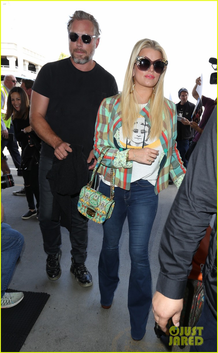 jessica simpson husband eric johnson fly out of town together 053887688