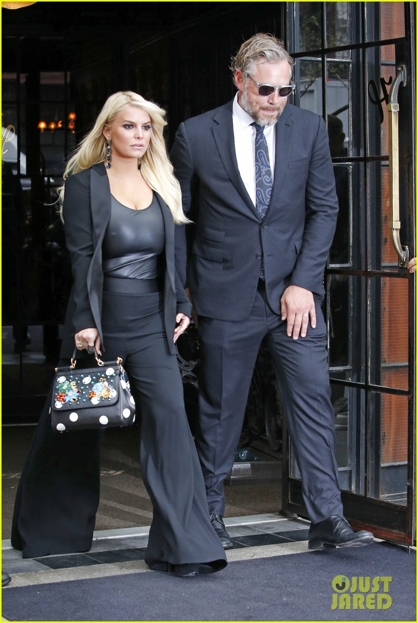Jessica Simpson & Eric Johnson Stylishly Step Out in NYC ...