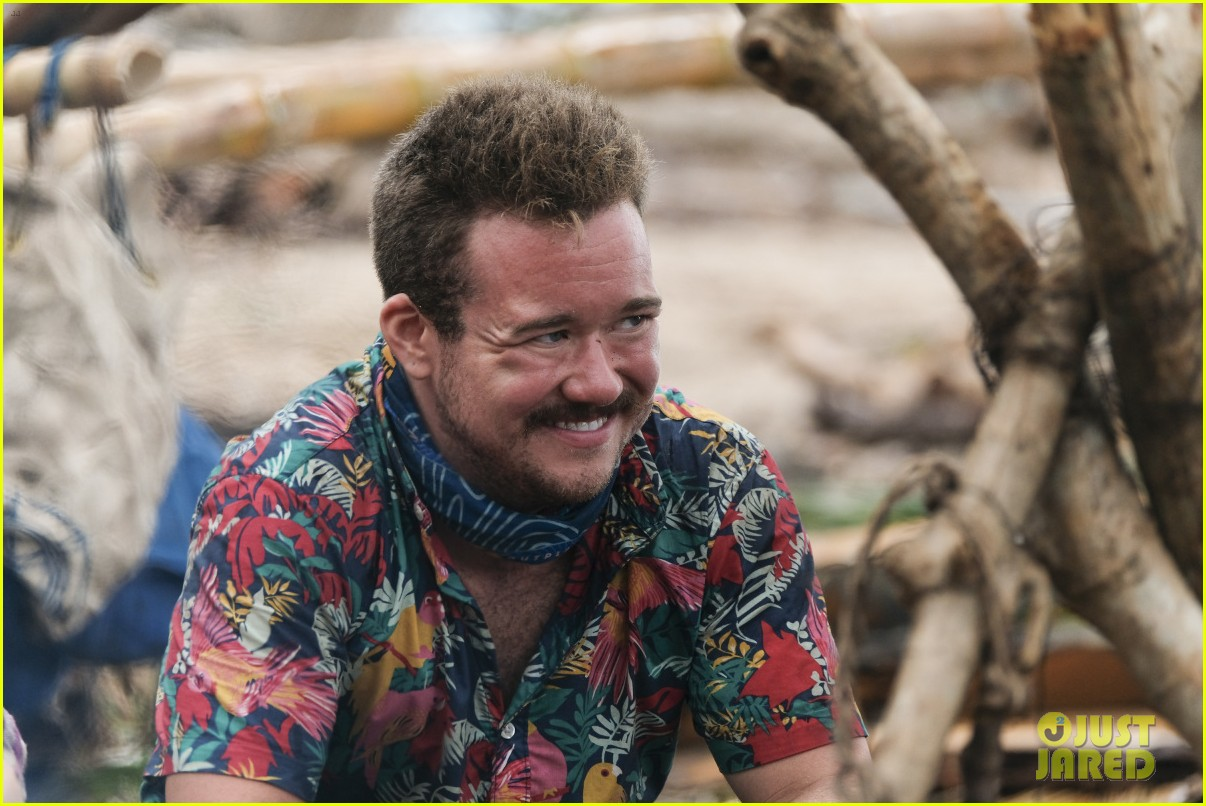 zeke smith reacts to emotional survivor episode 013885406