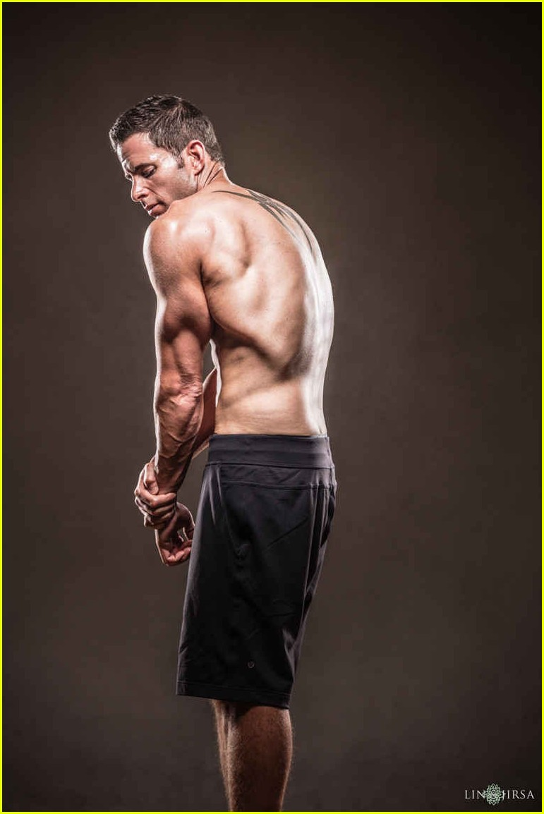 tarek el moussa is ripped in new shirtless pics 013881499