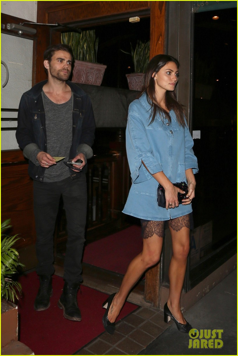 exes paul wesley and phoebe tonkin reunite for dinner in weho3 013883744